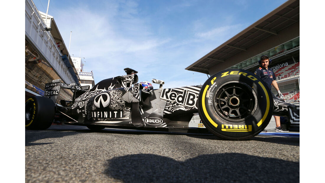 Daniel Ricciardo - Red Bull - Formel 1-Test - Baarcelona - 1. März 2015