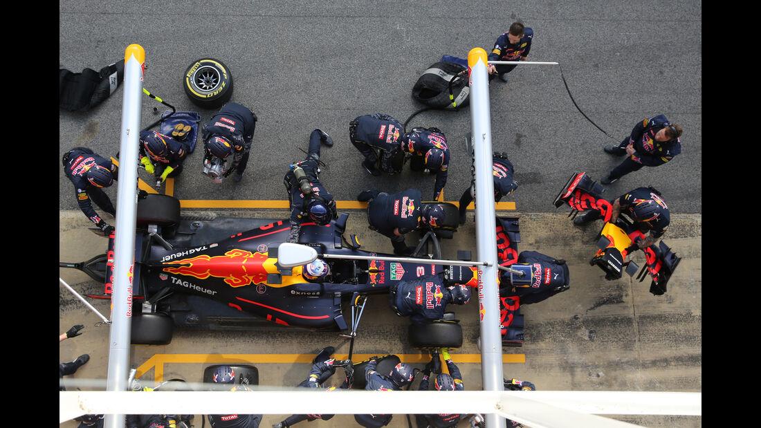 Daniel Ricciardo - Red Bull - Formel 1 - Test - Barcelona - 2. März 2016