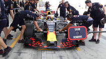 Daniel Ricciardo - Red Bull - Formel 1 - Testfahrten - Bahrain International Circuit - Dienstag - 18.4.2017