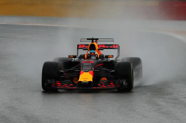 https://imgr1.auto-motor-und-sport.de/Daniel-Ricciardo-Red-Bull-GP-Belgien-Spa-Francorchamps-Formel-1-25-August-2017-fotoshowBig-de2648b4-1113588.jpg