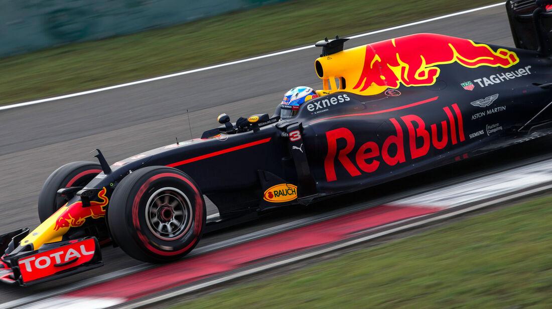 Daniel Ricciardo - Red Bull - GP China 2016 - Shanghai - Qualifying - 16.4.2016