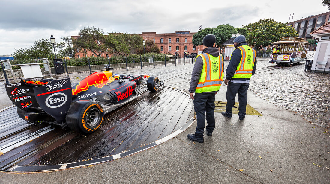Daniel Ricciardo - Red Bull RB7 - F1 - Roadtrip USA - 2018