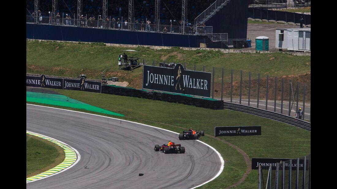 Daniel Ricciardo - Red Bull - Stoffel Vandoorne - McLaren -Formel 1 - GP Brasilien - 12. November 2017