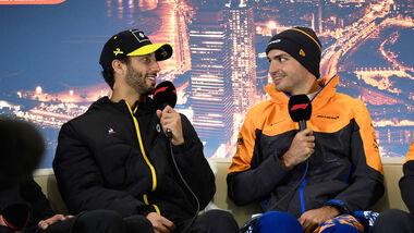 Daniel Ricciardo - Renault - Carlos Sainz - McLaren