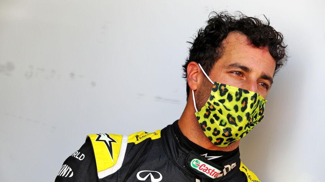 [Imagen: Daniel-Ricciardo-Renault-GP-Toskana-Muge...722588.jpg]