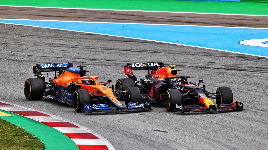 Daniel Ricciardo - Sergio Perez - Formel 1 - GP Spanien 2021 - Barcelona - Rennen