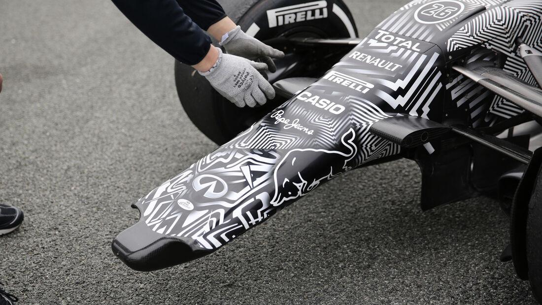 Daniil Kvyat - F1-Test Jerez 2015