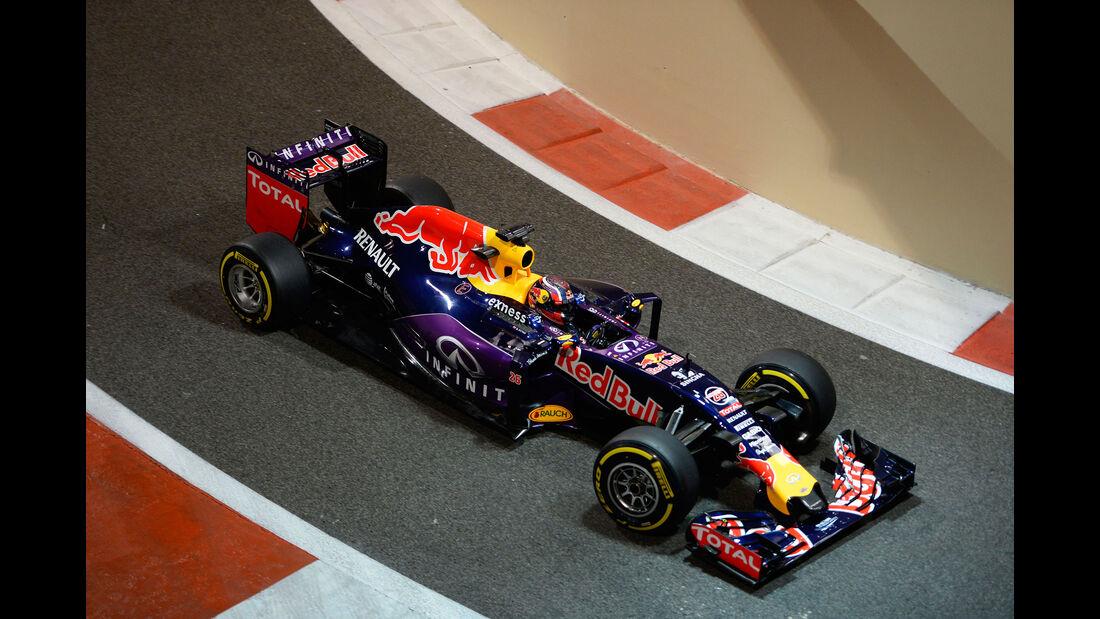 Daniil Kvyat - Red Bull - F1 Test - Abu Dhabi - Dienstag - 1.12.2015