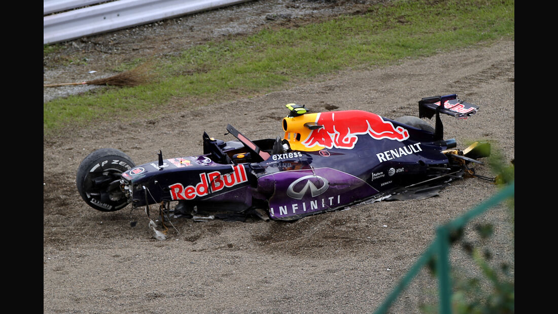 Daniil Kvyat - Red Bull - Formel 1 - GP Japan - Suzuka - 26. September 2015