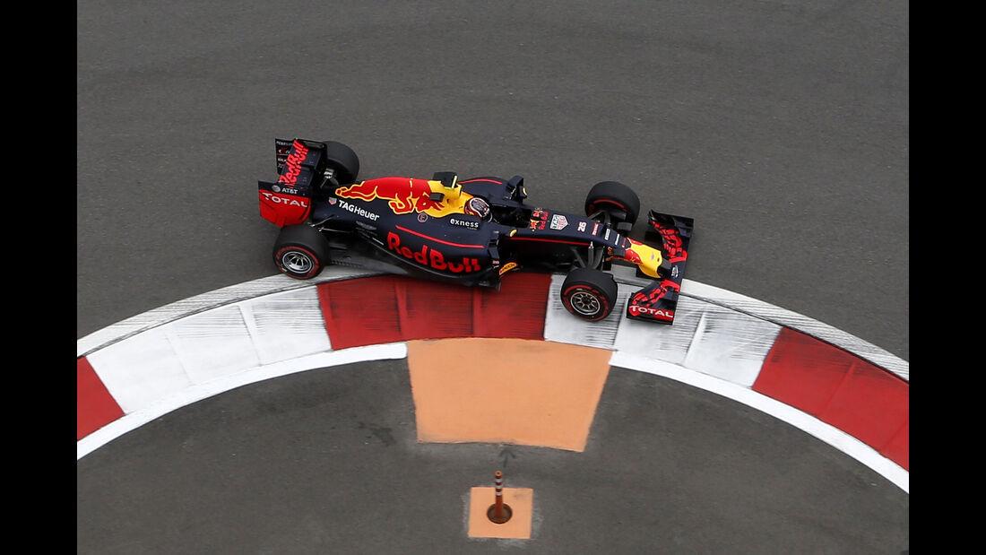 Daniil Kvyat - Red Bull - Formel 1 - GP Russland - 29. April 2016
