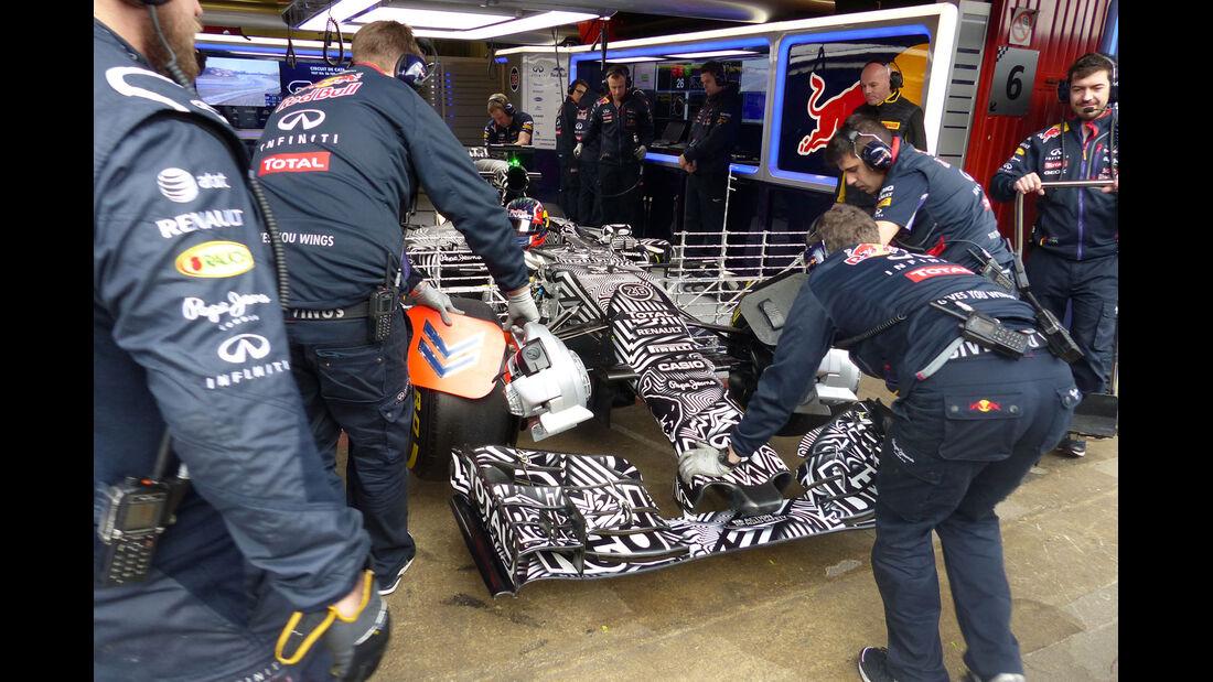 Daniil Kvyat - Red Bull  Formel 1-Test - Barcelona - 27. Februar 2015