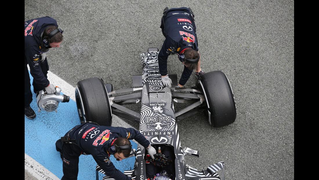 Daniil Kvyat - Red Bull - Formel 1-Test - Jerez - 2. Februar 2015