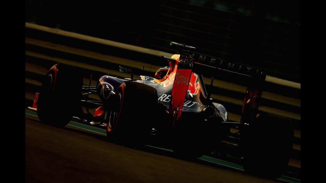 Daniil Kvyat - Red Bull - GP Abu Dhabi - 28. November 2015
