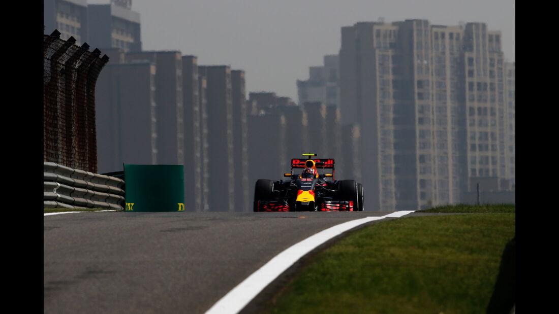 Daniil Kvyat - Red Bull - GP China - Shanghai - Freitag - 15.4.2016