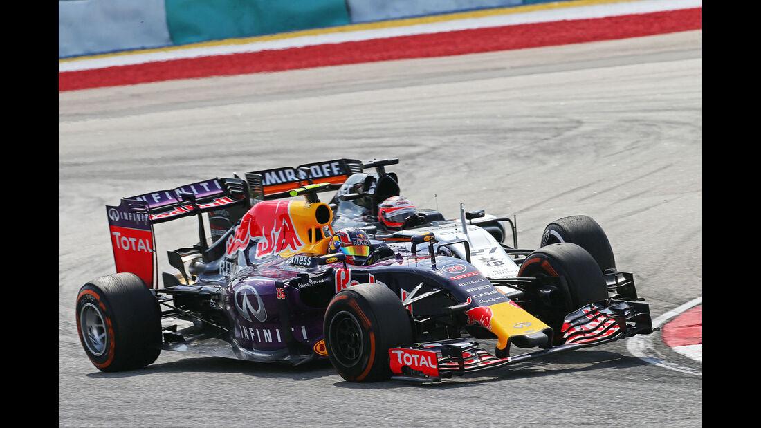 Daniil Kvyat - Red Bull - Nico Hülkenberg - Force India - GP Malaysia 2015 - Formel 1