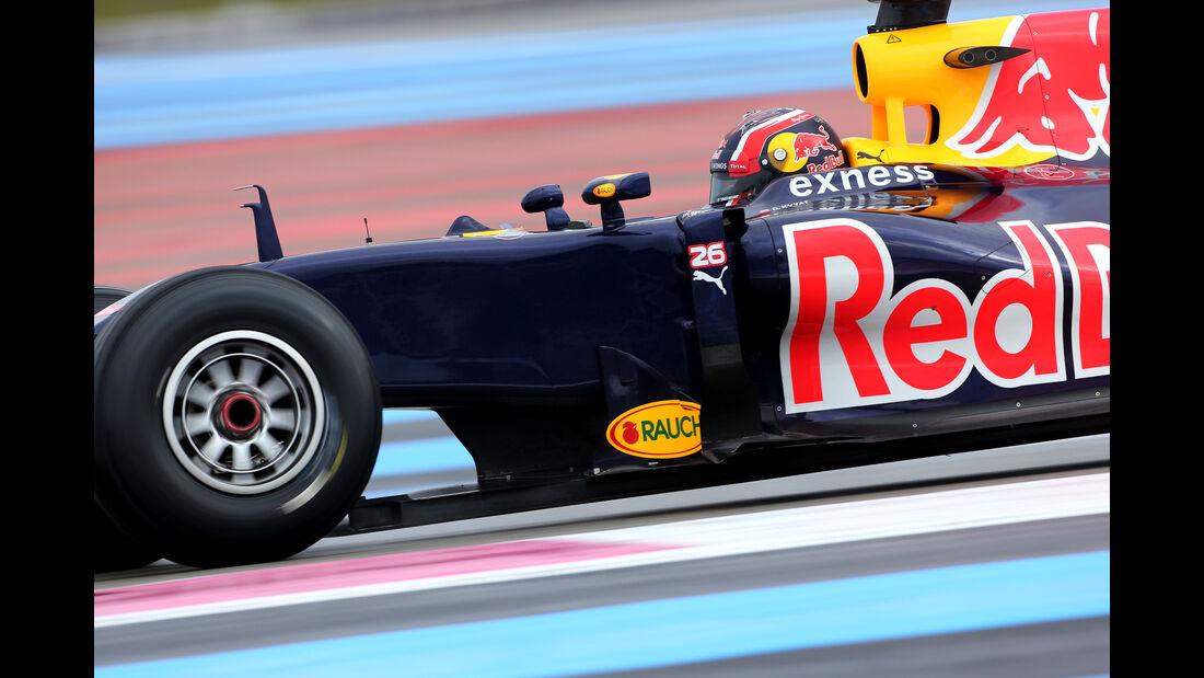 Daniil Kvyat - Red Bull - Pirelli Regenreifen-Test - Paul Ricard - 26. Januar 2016
