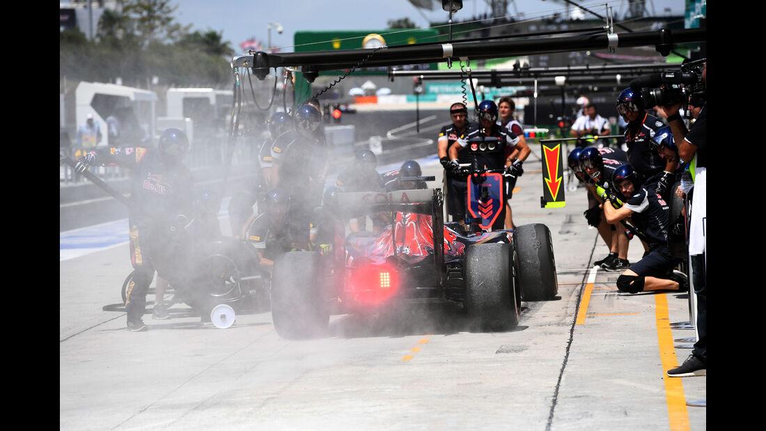 Daniil Kvyat - Toro Rosso - Formel 1 - GP Malaysia - Freitag - 30.9.2016