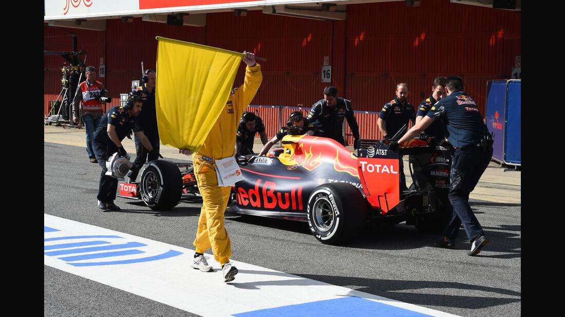 Daniil Kvyat - Toro Rosso - Formel 1-Test - Barcelona - 24. Februar 2016