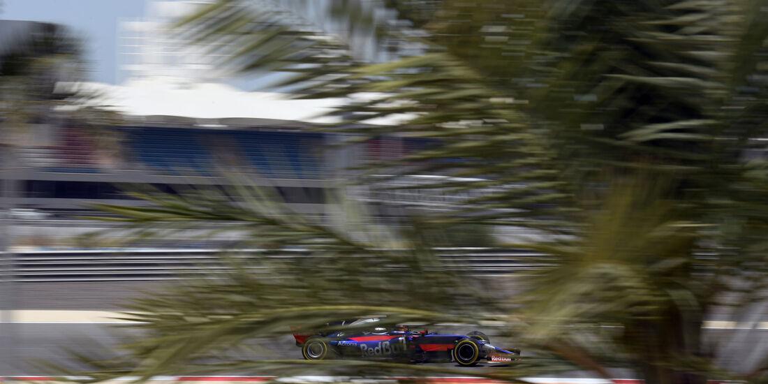 Daniil Kvyat - Toro Rosso - Formel 1 - Testfahrten - Bahrain - Mittwoch - 19.4.2017