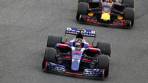 Daniil Kvyat - Toro Rosso - Max Verstappen - Red Bull - Testfahrten - Barcelona