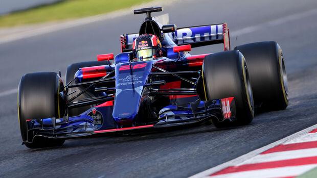 Daniil Kvyat - Toro Rosso STR12 - Testfahrten - Barcelona