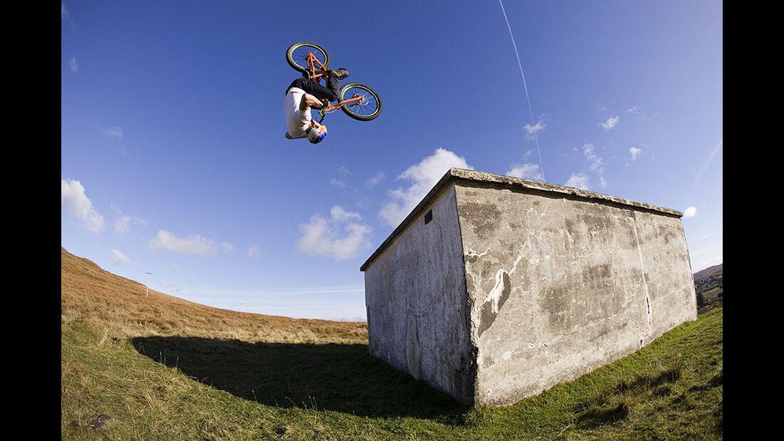 Danny MacAskill, Mountainbike
