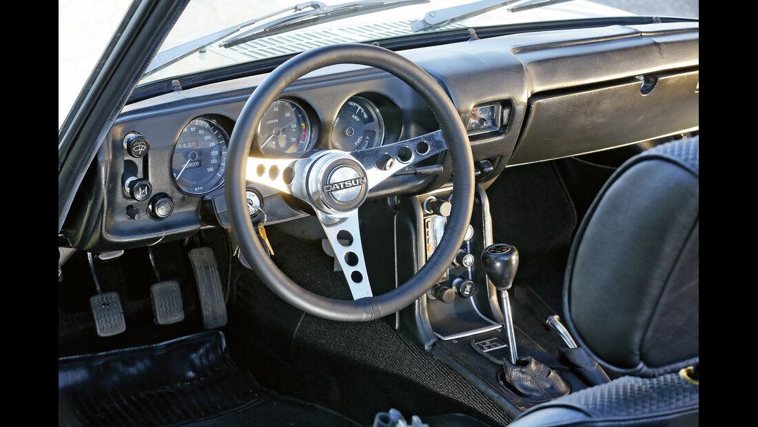 Datsun 1600 Sports, Cockpit