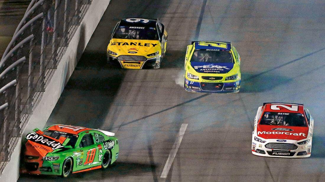 Daytona 500, NASCAR, Danica Patrick, Crash