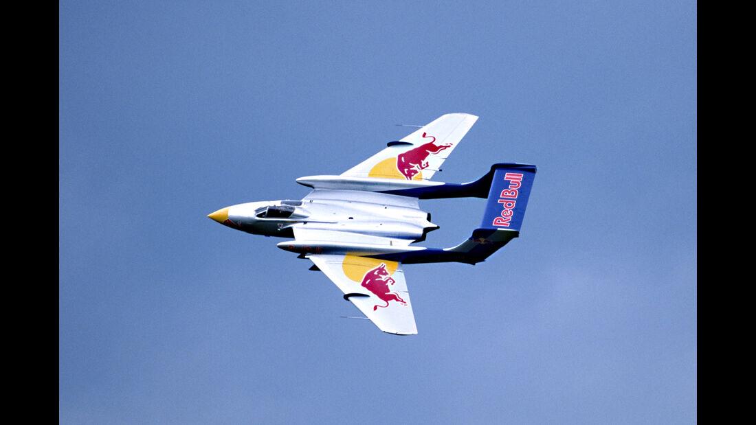 De Havilland Sea Vicen - Red Bull