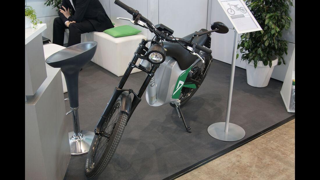 Dekra Elmoto HR-2 - Electric Vehicle Symposium 2017 - Stuttgart - Messe - EVS30