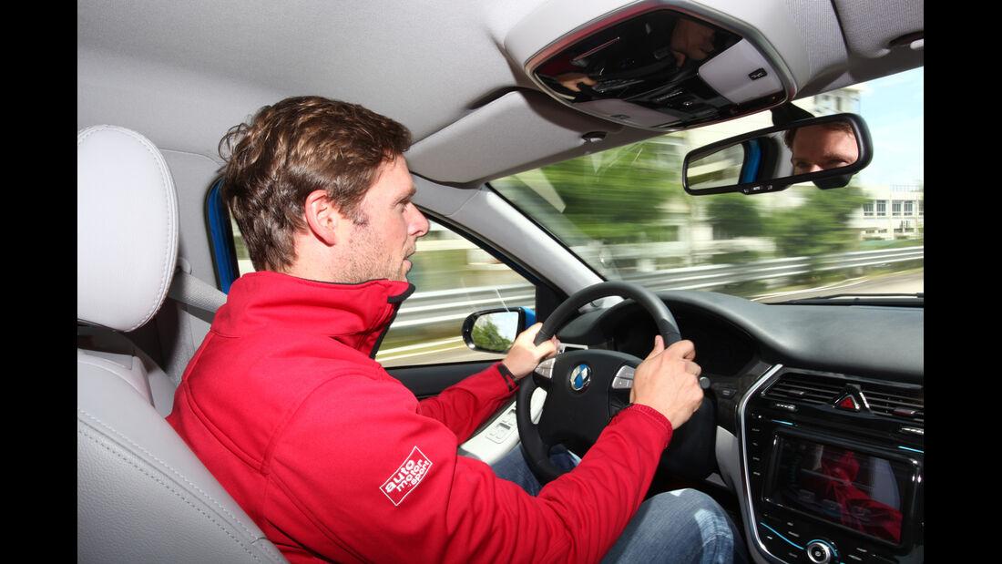Denza, Cockpit, Fahrer