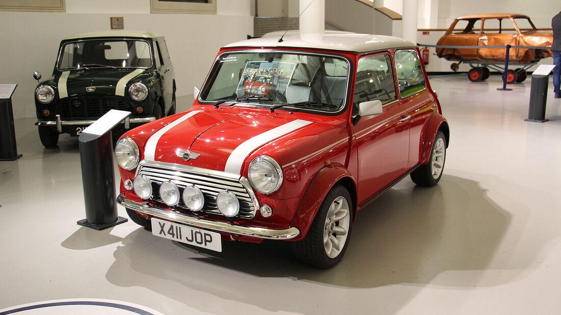 Der letzte Classic Mini Cooper im British Motor Museum