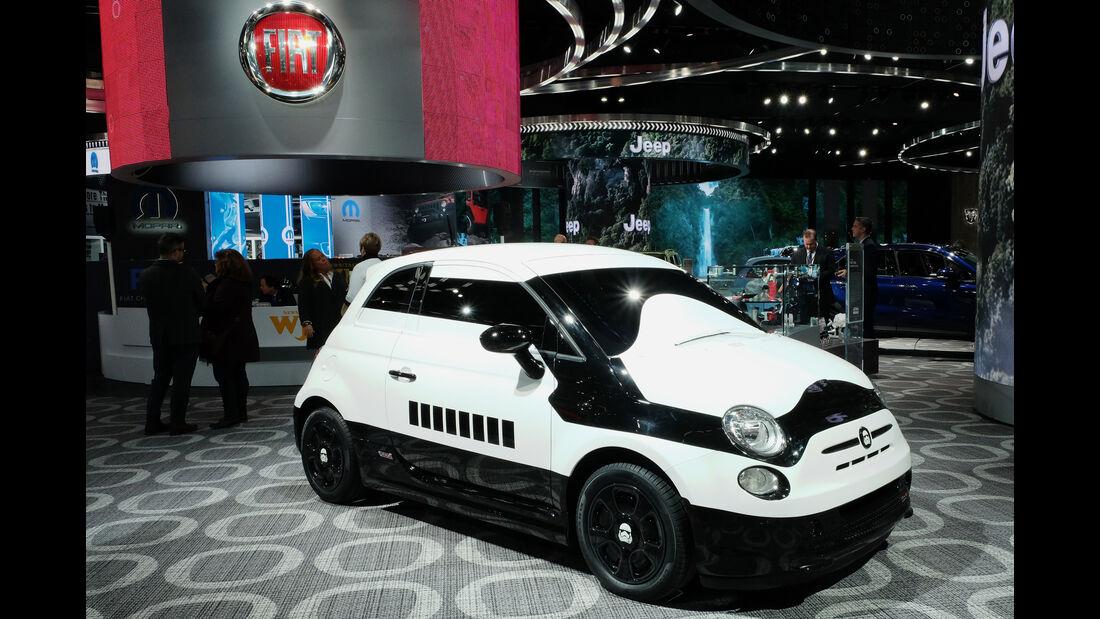 Detroit NAIAS 2016 Fiat 500 Stormtrooper Star Wars