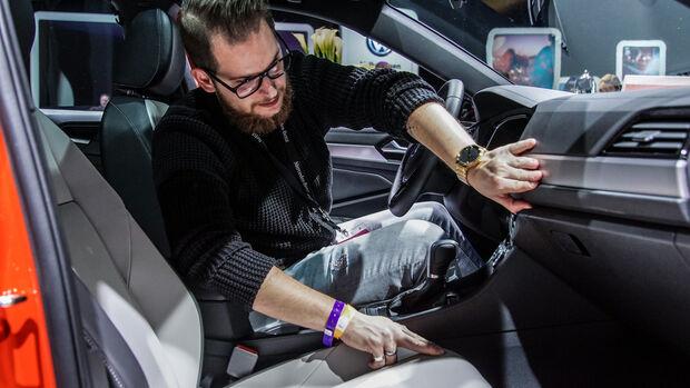 Detroit NAIAS 2018 Sitzproben VW Jetta und Mercedes G-Klasse