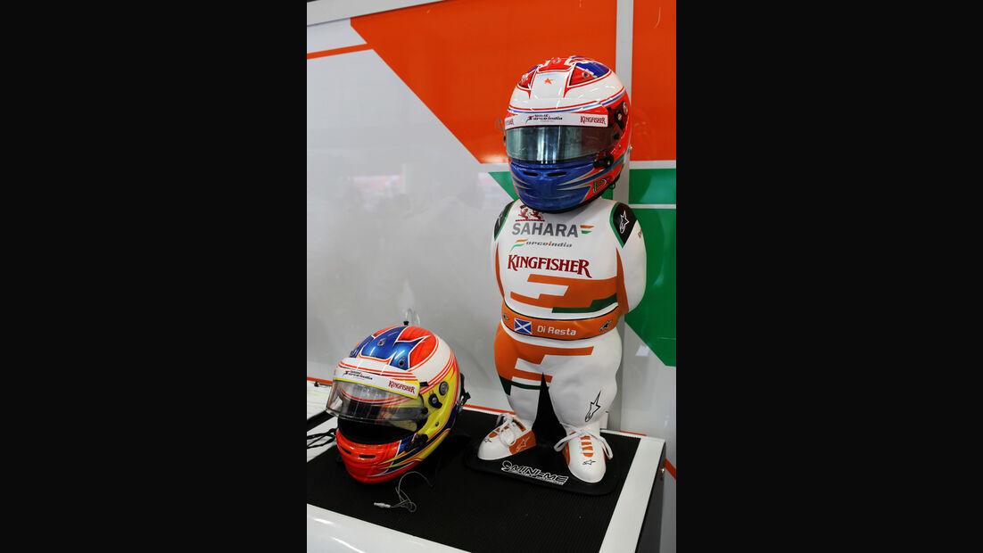 Di Resta F1 Fun Pics 2012