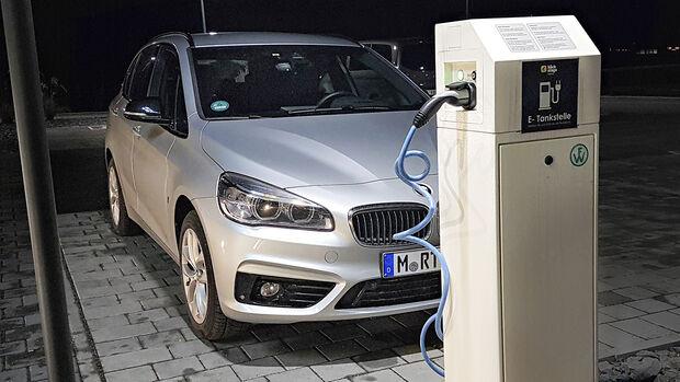 Die 10 größten Plug-in-Hybrid-Irrtümer, Dauertest BMW 225xe