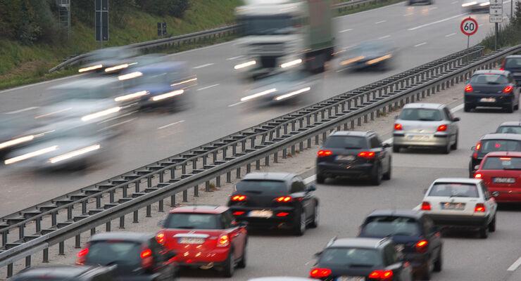 Die Autos auf Deutschlands Straßen sind durchschnittlich 8,8 Jahre alt.