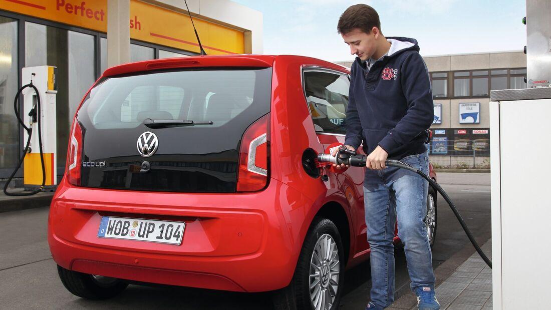 Die aktuellen Pläne zur Pkw-Maut benachteiligen Halter von Erdgasautos.