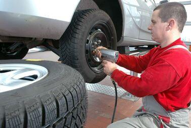 Die besseren Reifen gehören nach hinten