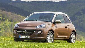 Die limitierte Opel Adam Tchibo Edition ist ab sofort beim Einzelhandelsunternehmen aus Hamburg erhältlich.