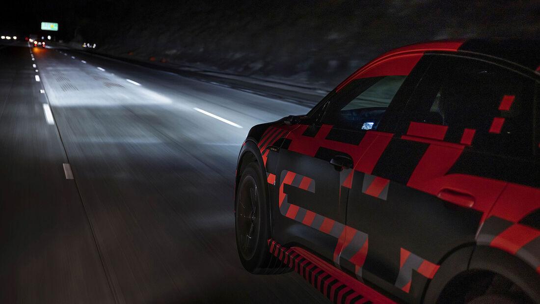 Digital Matrix Light Audi e-tron Sportback Mitfahrt