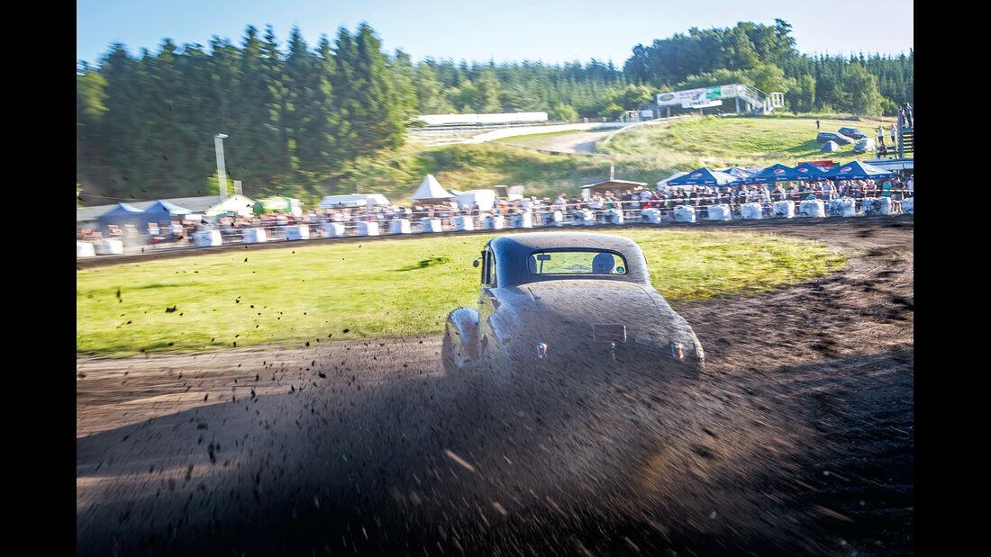 Dirt-Track-Szene, Oldsmobile Coupe