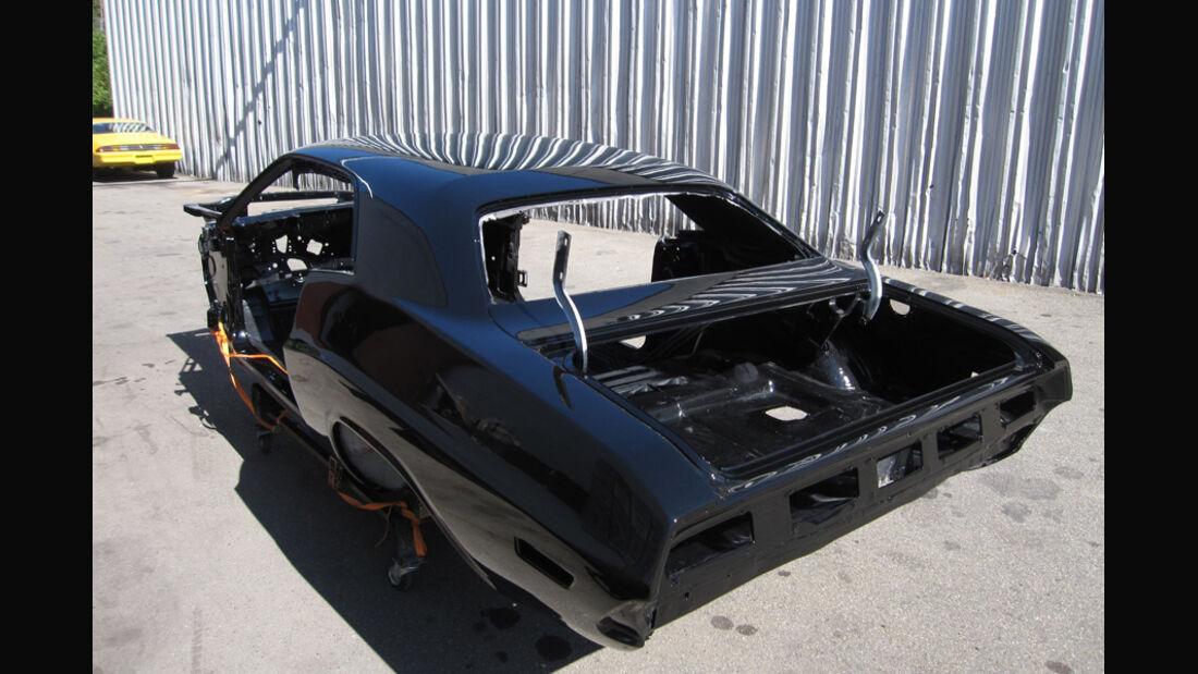 Dodge Challenger, Chassis, Karosserie