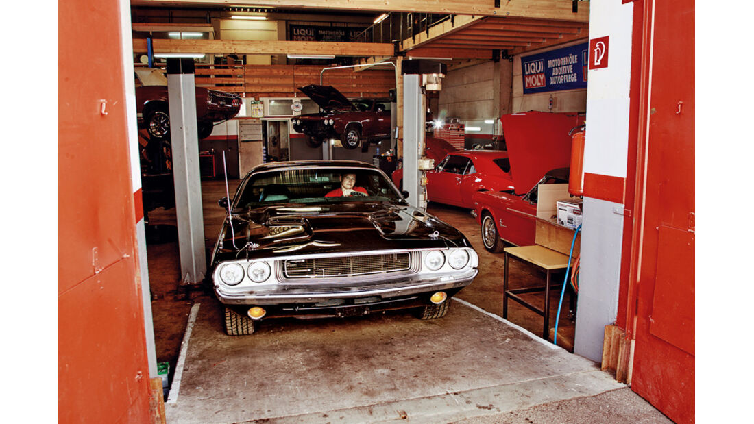 Dodge Challenger, Frontansicht, Garage