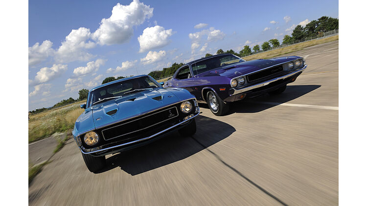 dodge mustang gt Dodge Challenger R/T und Shelby Mustang GT 1: Pony-Cars mit