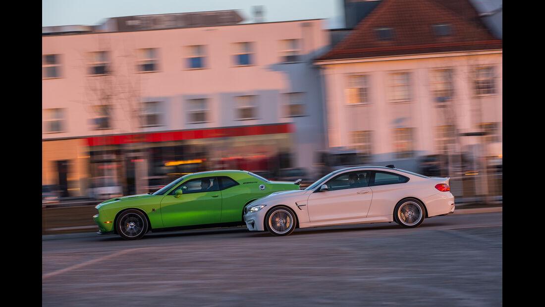 Dodge Challenger R/T, BMW M4 Coupé, Seitenansicht