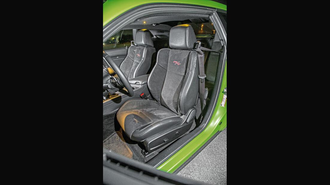 Dodge Challenger R/T, Fahrersitz