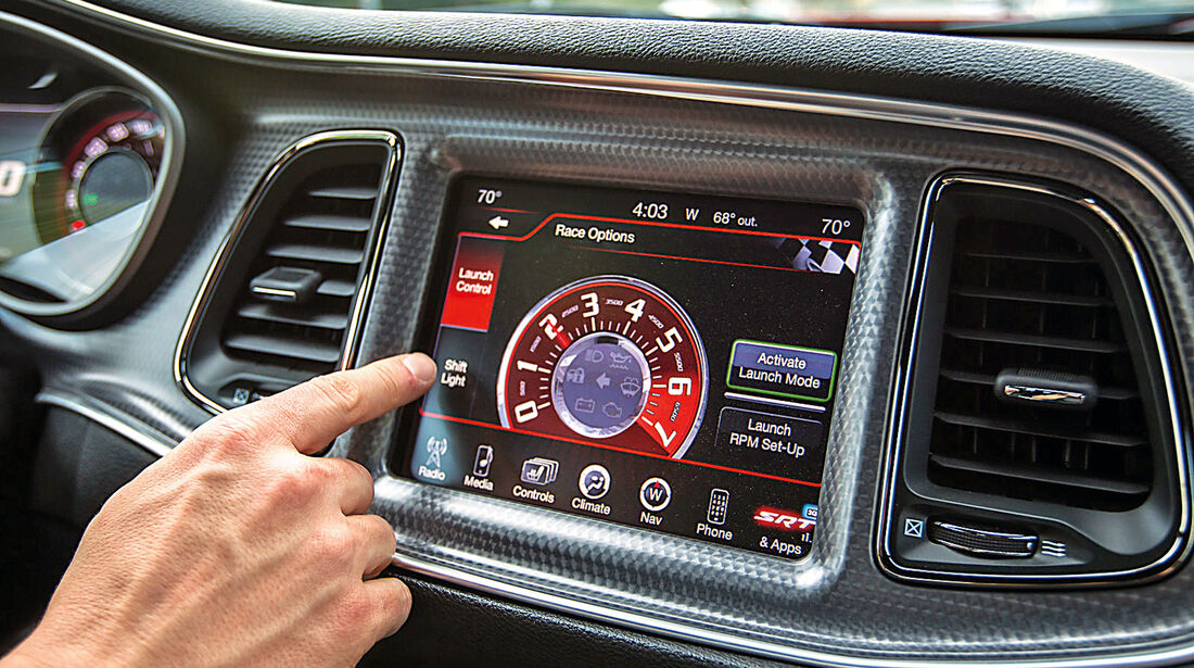 Dodge Challenger SRT Hellcat, Display, Infotainment