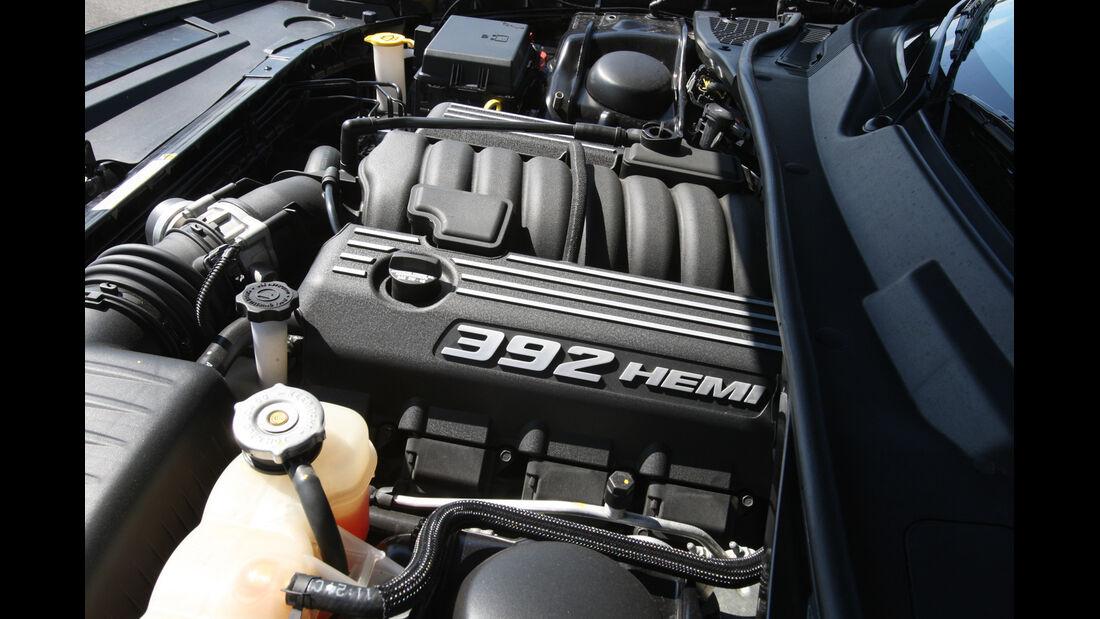 Dodge Challenger SRT8, Motor
