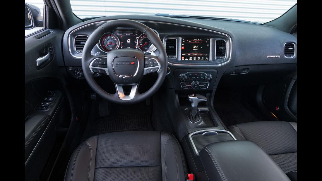Dodge Charger, Cockpit